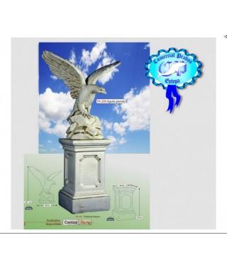 Figura de Águila Grande